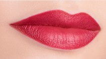 губная помада Color Attraction